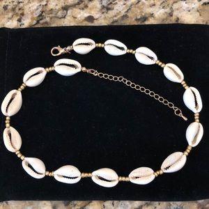 ☀️ Shell Choker Necklace 🏝